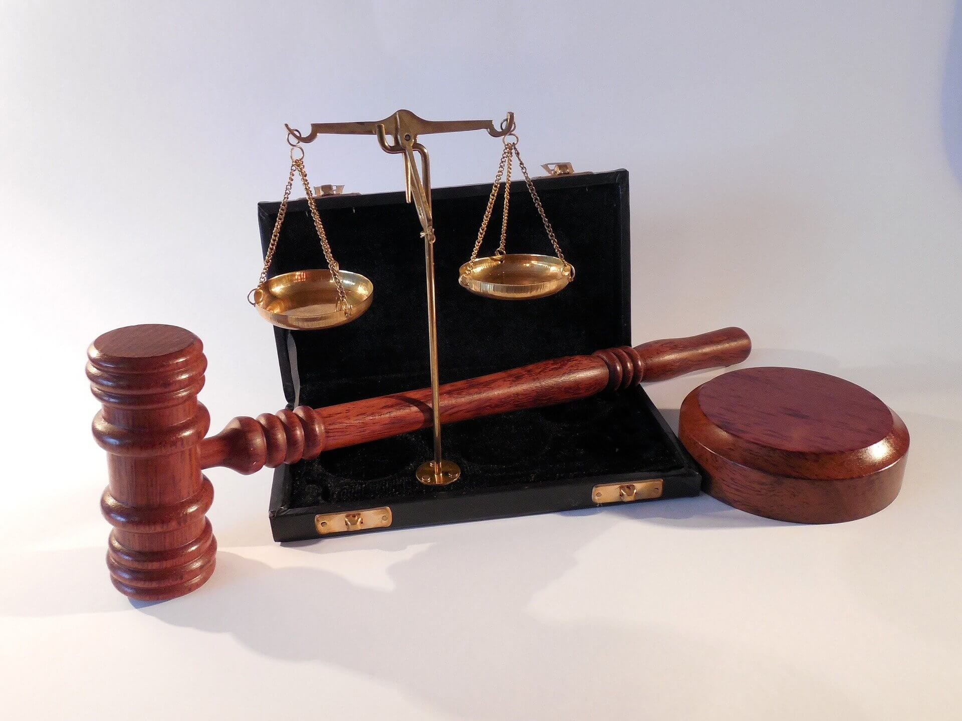 מדריך לבחירת עורך דין