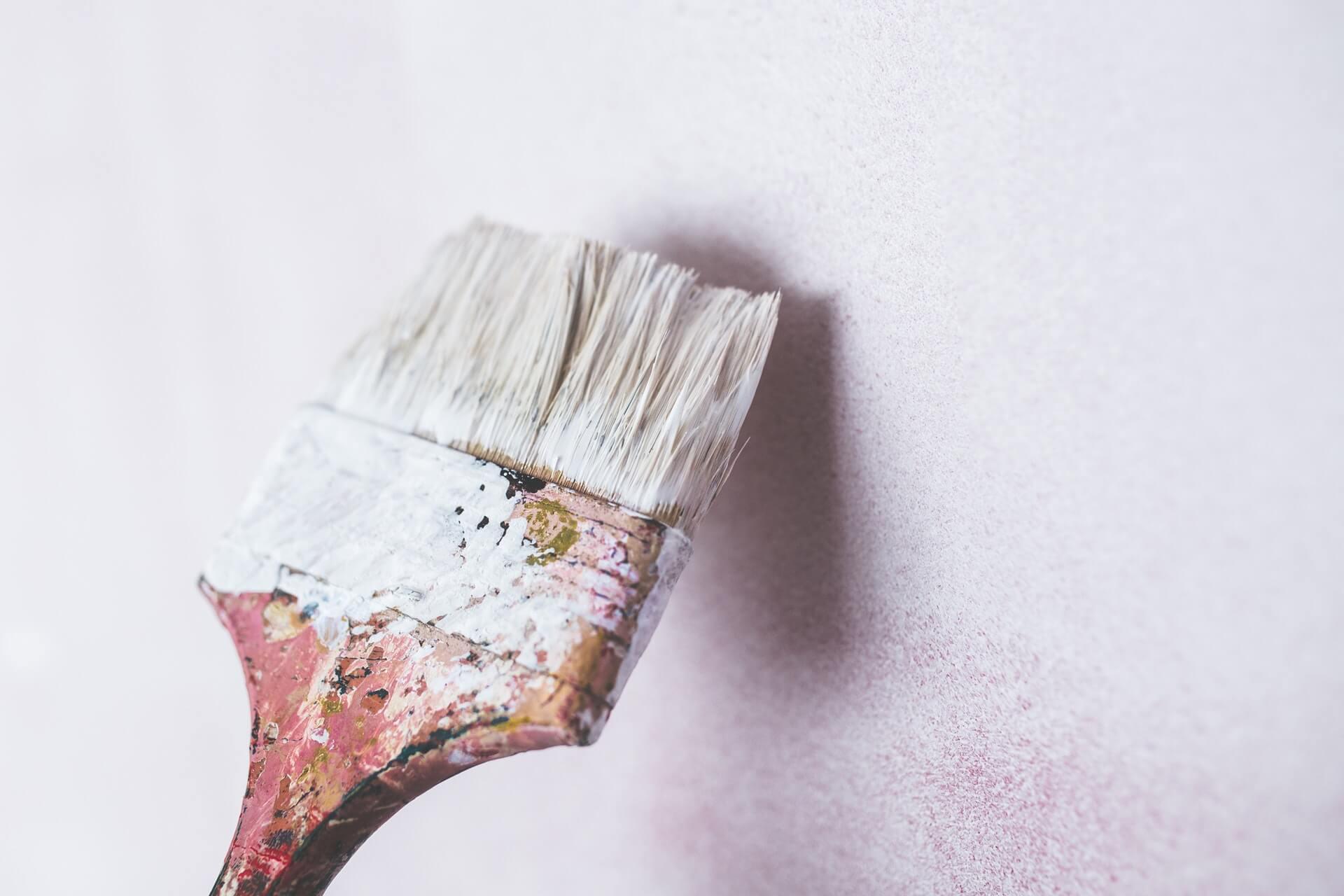 צביעת קירות - צבע, סיד, שפכטל ומה שביניהם